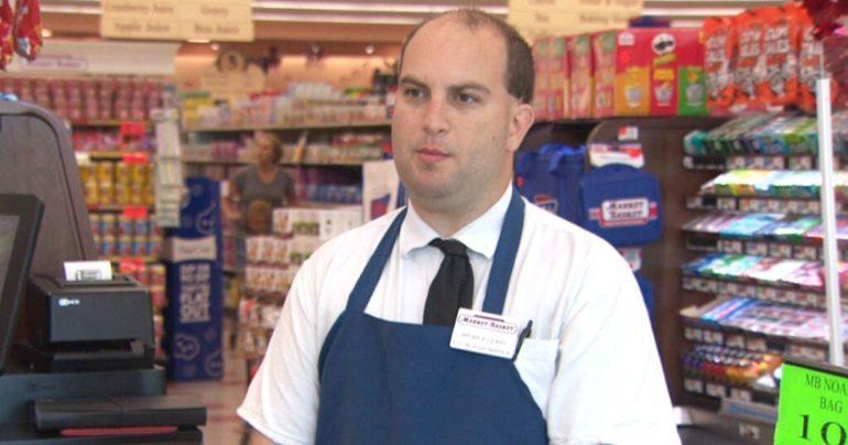 market basket employee pays veterans groceries