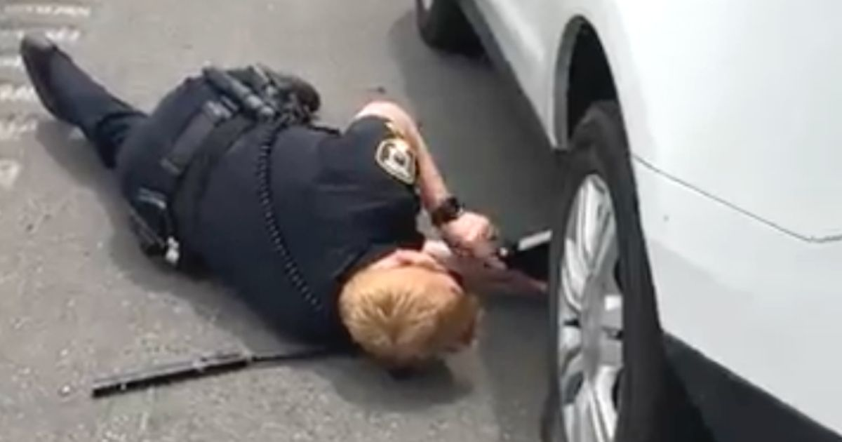 police officer helps stranded couple