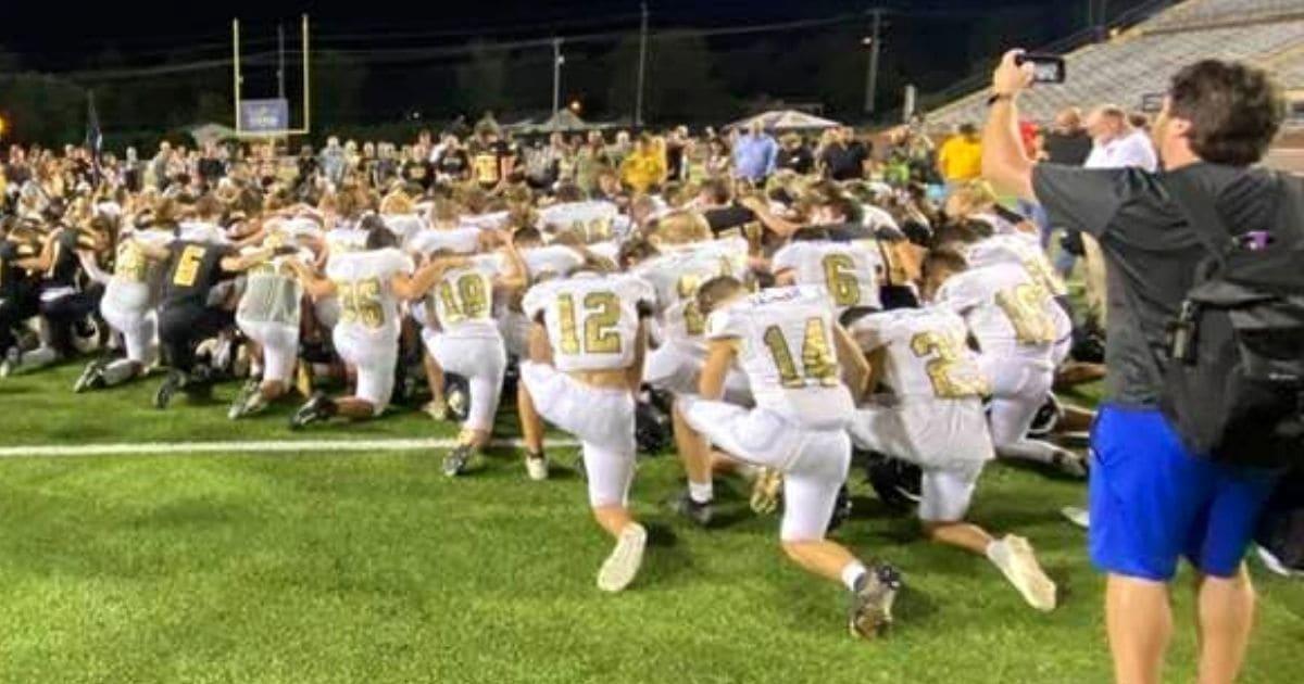 high school football team prayer Tennessee