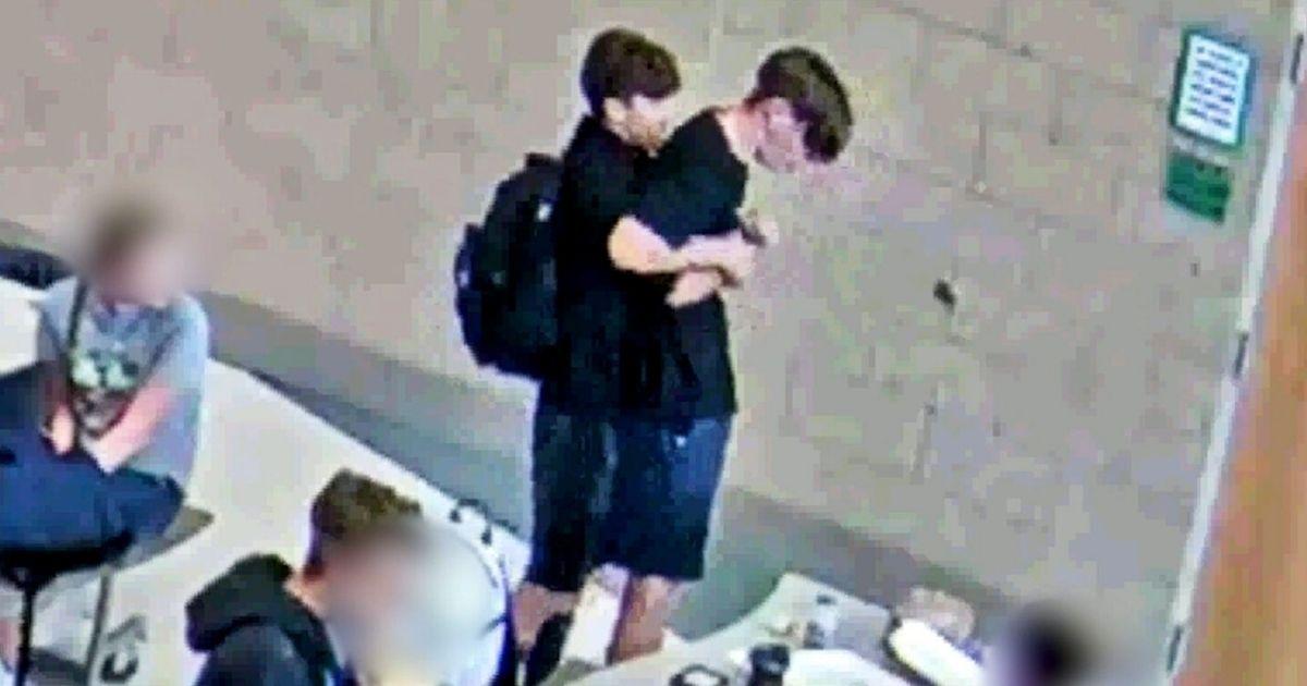 teen saves choking friend