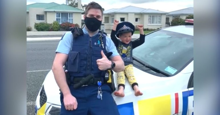 boy calls police new zealand