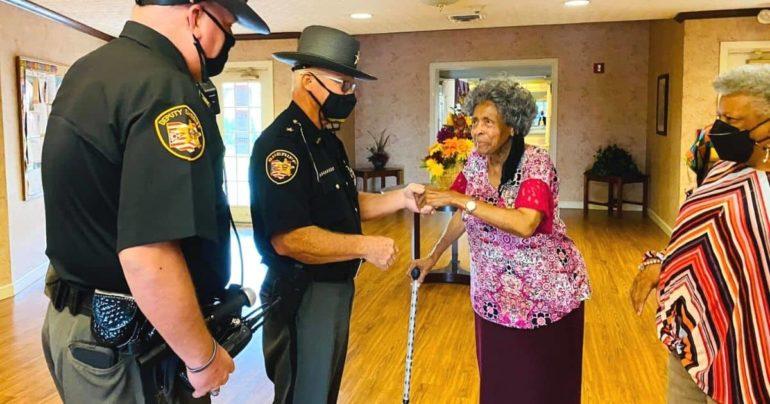 Franklin County deputy helps elderly woman