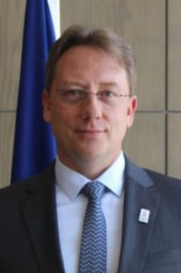 HE Ludovic Pouille