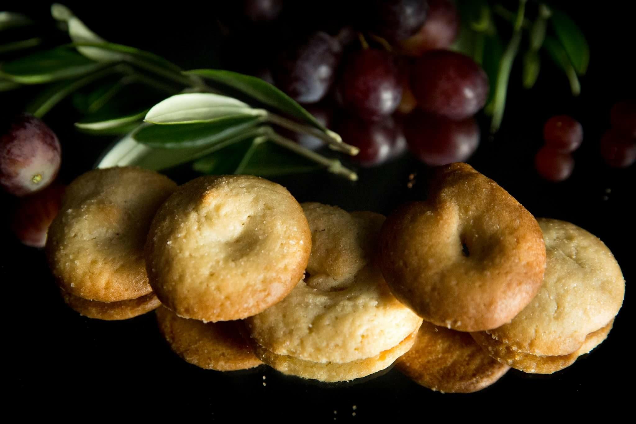 Biscotti del Chianti con olio e vino