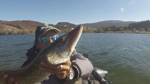 Northern Pike — passion Float-tube  ( youtube)
