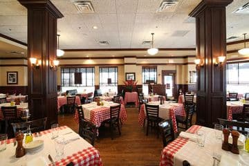 Maggiano S Italian Restaurant Near You At 12th Amp Filbert