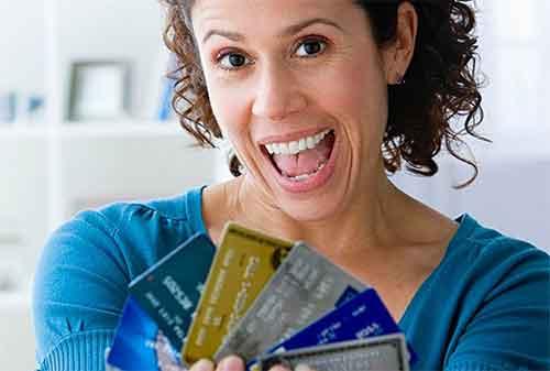6 Cara Mengelola Kartu Kredit Untuk Ibu Rumah Tangga Yang Benar