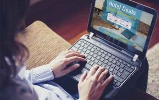 tips-liburan-hemat-dengan-memanfaatkan-situs-online-1-finansialku