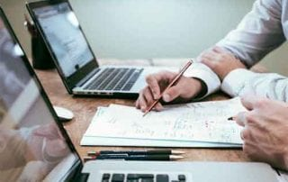 Mengapa OJK Tidak Mengatur Bunga Pinjaman di P2P Lending 01 - Finansialku