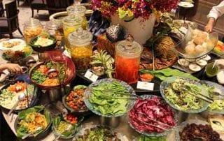 Sering Bukber atau Buka Bersama di Resto Begini Tips Praktis Hemat Pengeluaran Anda - Finansialku