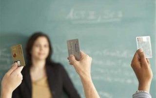 Yakin Mau Ajukan Kartu Kredit Tambahan Perhatikan Dulu Hal-hal Berikut Ini 01 - Finansialku
