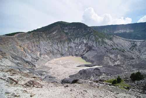 33 Tempat Wisata Bandung Paling Hits Wajib Dikunjungi 02 - Finansialku