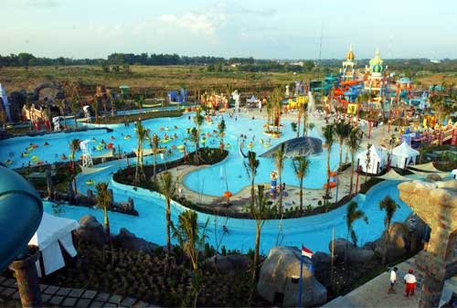 Wisata-Surabaya-03.-Ciputra-Waterpark