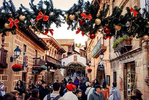 Liburan Natal Barcelona Spanyol - Finansialku