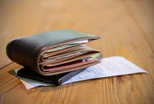 Kebiasaan Hemat Anak Kos Ini Bikin Kamu Punya Uang Jajan Lebih Banyak 02 Dompet - Finansialku
