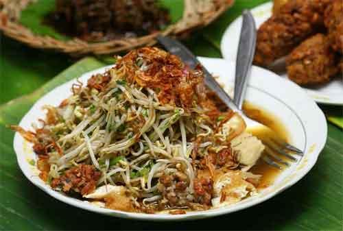 Kuliner Surabaya 05 Lontong Balap - Finansialku
