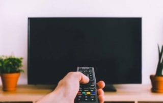Alasan Mengapa Matikan TV Bisa Irit Pengeluaran 01 Finansialku