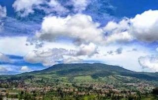 Cerita Sangkuriang Gunung Tangkuban Parahu 01 - Finansialku