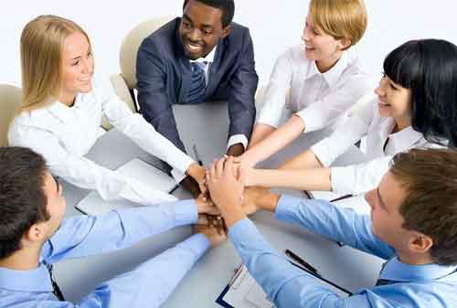 Begini Ya, 5 Cara Sakti Membuat Karyawan Betah di Kantor 05 Karyawan 5 - Finansialku