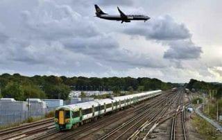 Pesawat Terbang vs Kereta Api Mana yang Lebih Murah, Aman dan Nyaman 01 - Finansialku