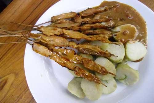 Kuliner Khas Indonesia 05 (Sate Ayam Khas Ponorogo) - Finansialku