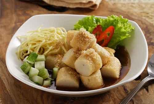 Makanan Terenak di Indonesia yang Terkenal Hingga Mancanegara 12 Pempek - Finansialku