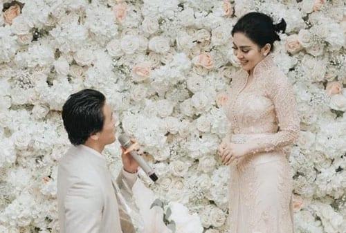 Pernikahan Syahrini dan Reino 02 - FinansialkuPernikahan Syahrini dan Reino 02 - Finansialku