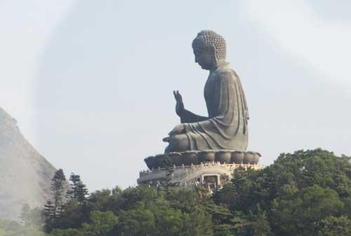 Patung Buddha Terbesar Di Hong Kong 02 - Finansialku
