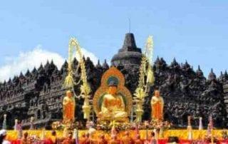 Menariknya Rangkaian Acara Menjelang Hari Raya Waisak Di Candi Borobudur 01 - Finansialku