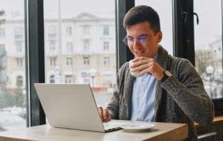 Patut Ditiru! Begini Cara Freelance Menyiapkan Dana Pensiun 02 - Finansialku