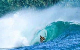 Suka Surfing Kunjungi 5 Tempat Terbaik Berselancar 01 - Finansialku
