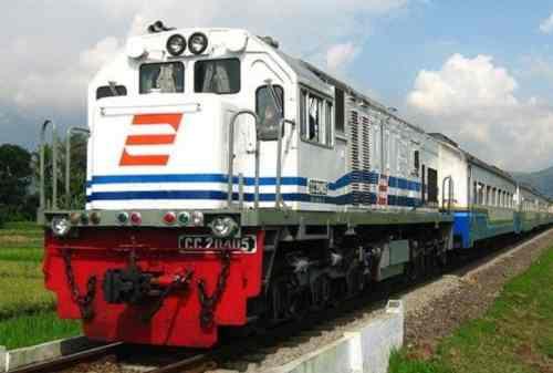 Liburan ke Pulau Karimun Jawa 02 Kereta Api - Finansialku