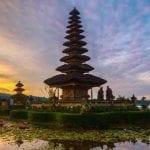 Tempat Wisata Bedugul Bali 05 Pura Ulundanu - Finansialku