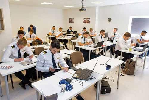 Biaya Pendidikan Pilot 02 - Finansialku