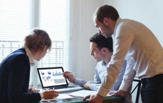 Hoax Investasi Informasi Berlimpah dan Pentingnya Mekanisme Second Opinion 01 - Finansialku
