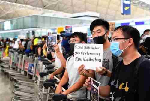Aksi Demonstrasi Hong Kong Membuat Perekonomi Terguncang 03 - Finansialku