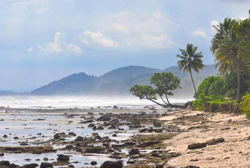 Wisata Pangandaran Pantai Karapyak - Finansialku