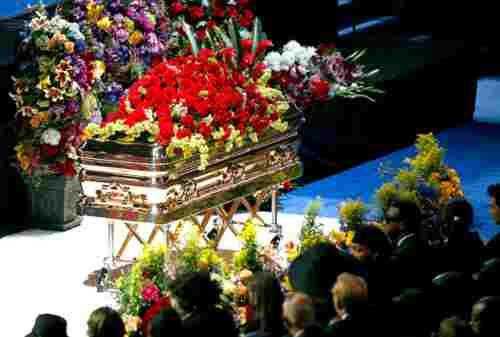 WOW! Biaya Upacara Pemakaman Toraja Termasuk Termahal Di Dunia! 06 - Finansialku
