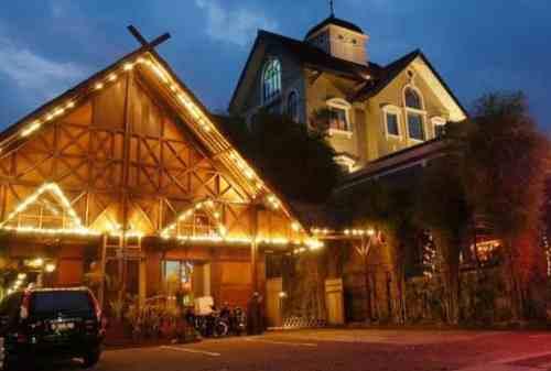 10 Tempat Wisata Kuliner Bandung Favorit yang Wajib Kamu Kunjungi 09 - Finansialku