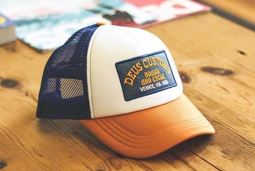 Deus Hats - Finansialku
