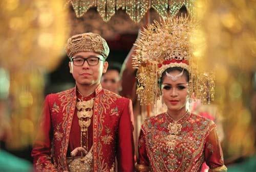 Pernikahan Adat Minangkabau - Finansialku