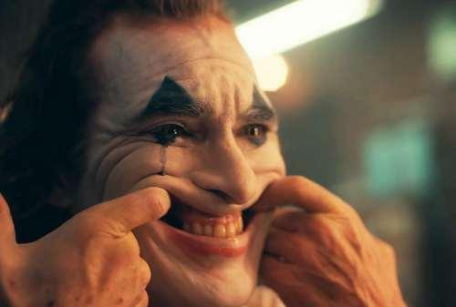 Ketahui Makna Kutipan Film Joker 2019 Melalui Joker Quotes Ini! 07