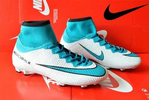 Sepatu Sepak Bola Nike - Finansialku