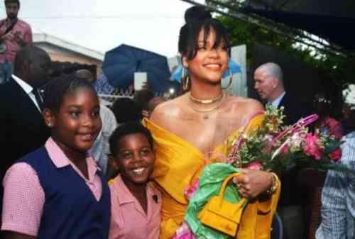 Rihanna Musisi Wanita Terkaya di Dunia, Kekayaannya Capai US$600 Juta 04 - Finansialku