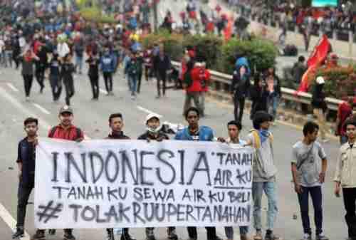 Aksi Demo Mahasiswa di Jakarta Makin Memanas Hingga Hari Ini 04