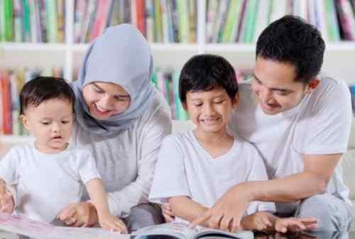 5 Prinsip Parenting yang Mendukung Anak Berpikir Positif - Finansialku