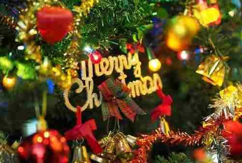 Harga 5 Hiasan Pohon Natal Ini Dibawah Rp50 Ribu, Tiru Deh! (1)