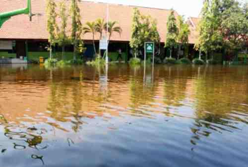 Warga Bondowoso Kaget Diserang Banjir Bandang 03