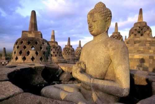 5 Important Reasons Why You Should Visit Borobudur Temple 03 - Finansialku