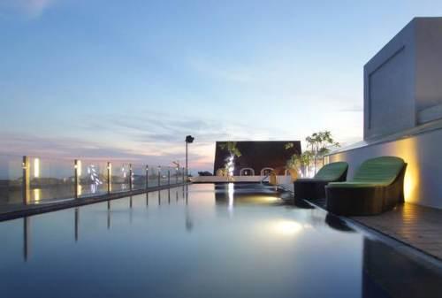 Top 10 Infinity Pool di Bali yang Super Spektakuler 05 - Finansialku